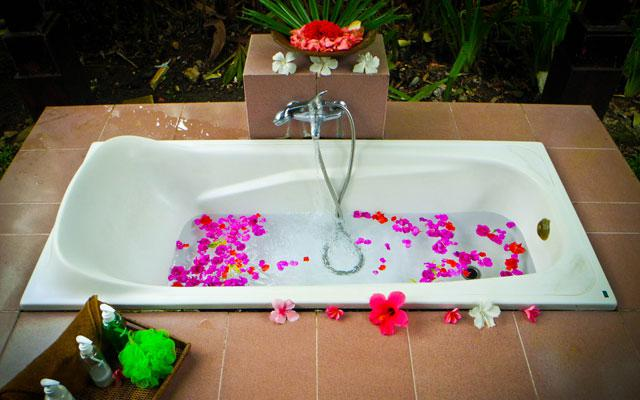 Spa Bali Sukawati - Bhanuswari Spa - Bathtub