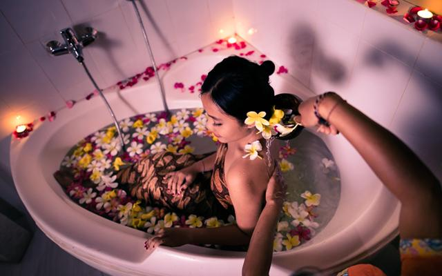Bahari Balinese Spa - Flower Bath